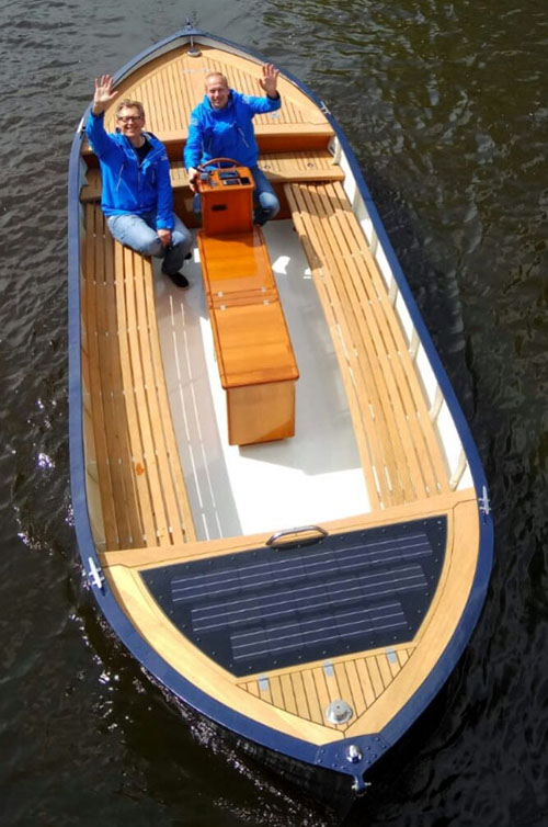 Skip Skip - A new way to discover Amsterdam with an electric boat