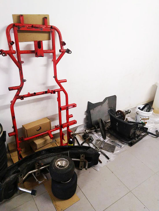 At the beginning of the creation (of an powerfull electric go-kart)... there is the frame!